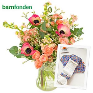 Välgörenhetsbukett från Euroflorist i samarbete med Barnfonden. Blommor i rosa/rött och småblommigt vitt. Superfin!