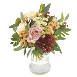 """""""Vänlig"""", en fantastisk bukett med blandade blommor i milda, behagliga färger. Du hittar den hos Euroflorist."""