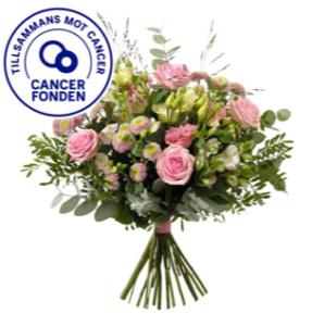 Bukett med rosor, prärieklocka, krysantemum, alstroemeria, eukalyptus och gröna blad. 30 kr går till Cancerfonden. Skicka blommorna med ett Interflora-bud!